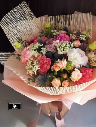 粉色浪漫春日花束