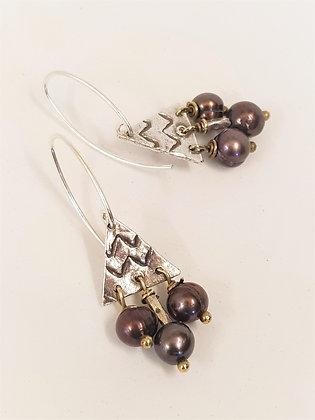 Small triangle Pearl Earrings