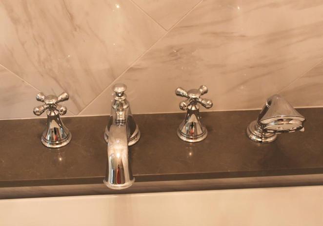 bathtub detail.jpg