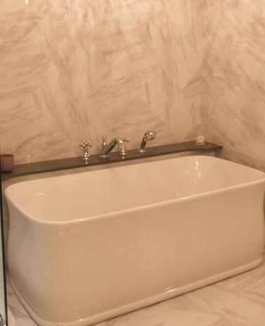 kohler bathtub.jpg