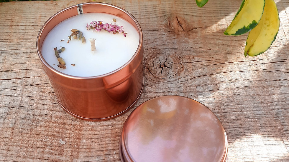 Feel the simplicity Tin Candle