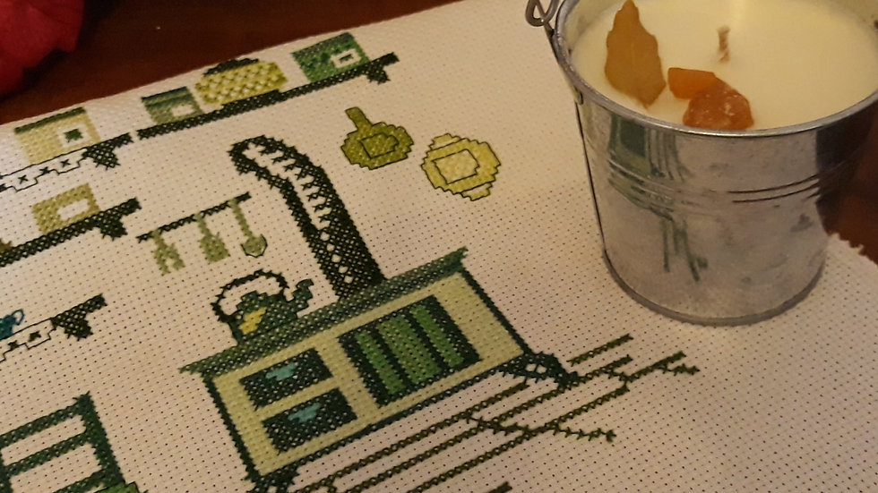 Cross stitch - Green kitchen