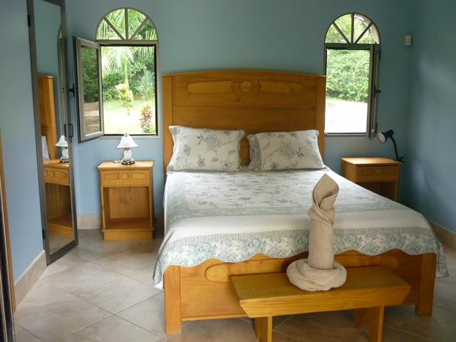 Blue Bedroom - P1060069