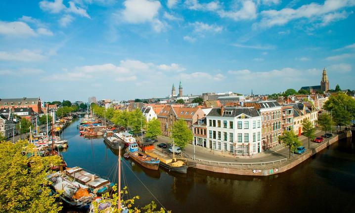 Groningen vanaf het water.jpg