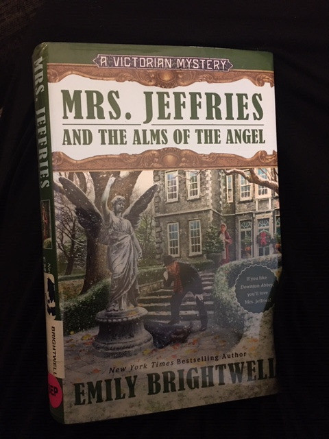 Mrs. Jeffries and the Alms of Angel: A Cozy Christmas Murder