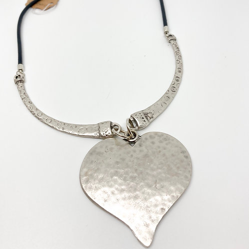 """Hammered Silver Heart Necklace - Neck 22"""""""