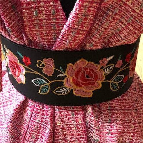 Stretchy embroidered belt - one size