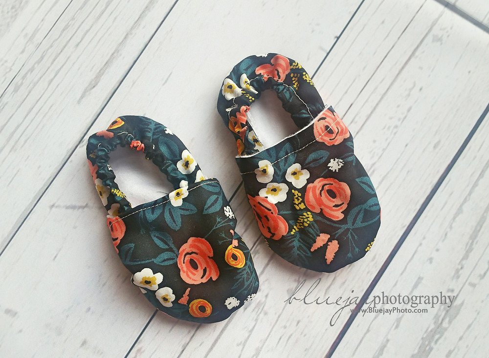 DIY Baby Shoes! Super Easy sew 'em yourself baby shoes