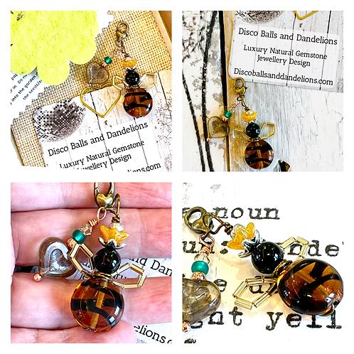 Little Flower Bee Glass Bead Charm Clip