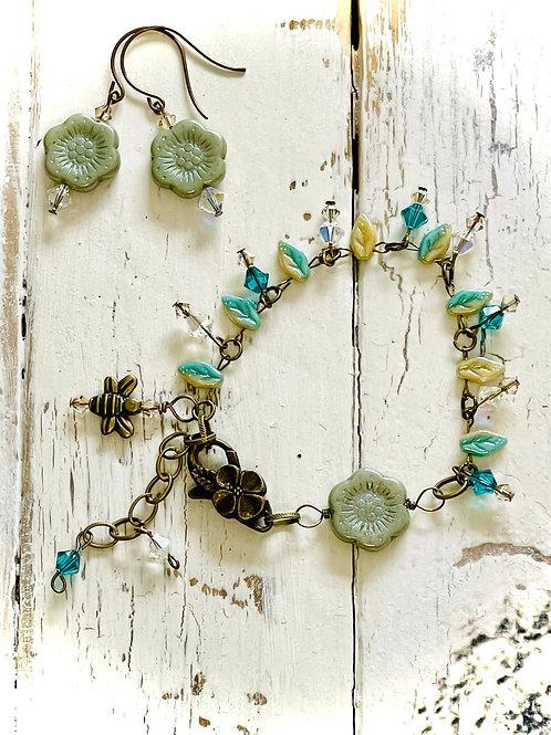The Little Flowers Handmade Bracelet & Earrings Set