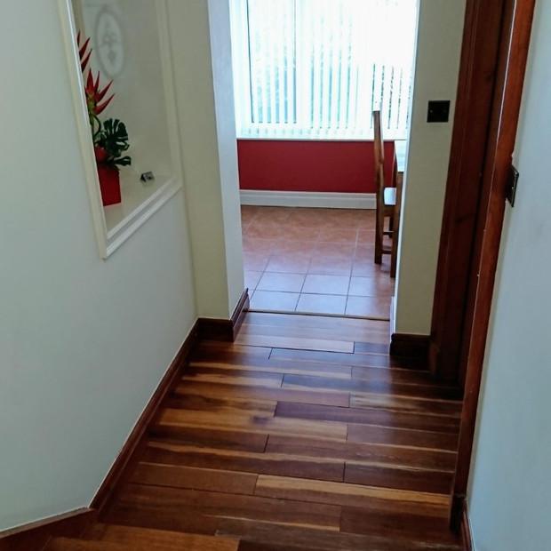 Passageway to kitchen