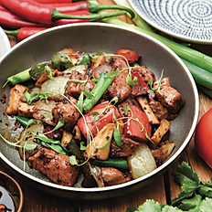 Black pepper wagyu beef tri tip 5+, onion, mushroom and capsicum