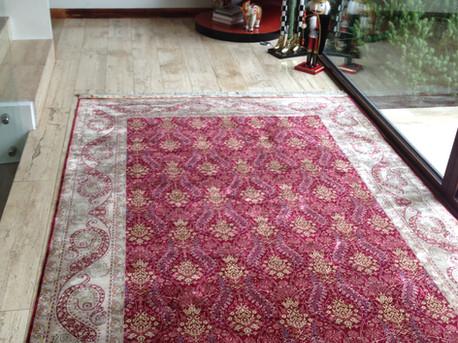 Silk Carpet Decoration