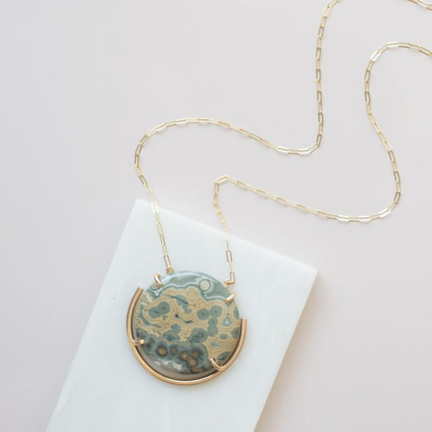 Mineralogy Lace Agate Necklace