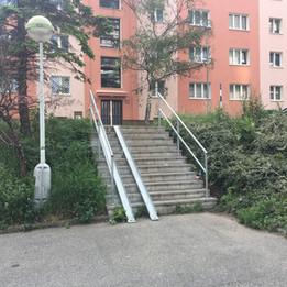 Rail 11 stairs