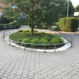 Rail to the circle