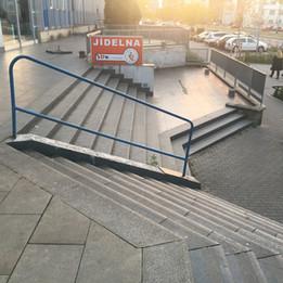 Gap over the rail 