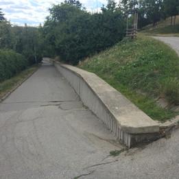 Manual ledge  
