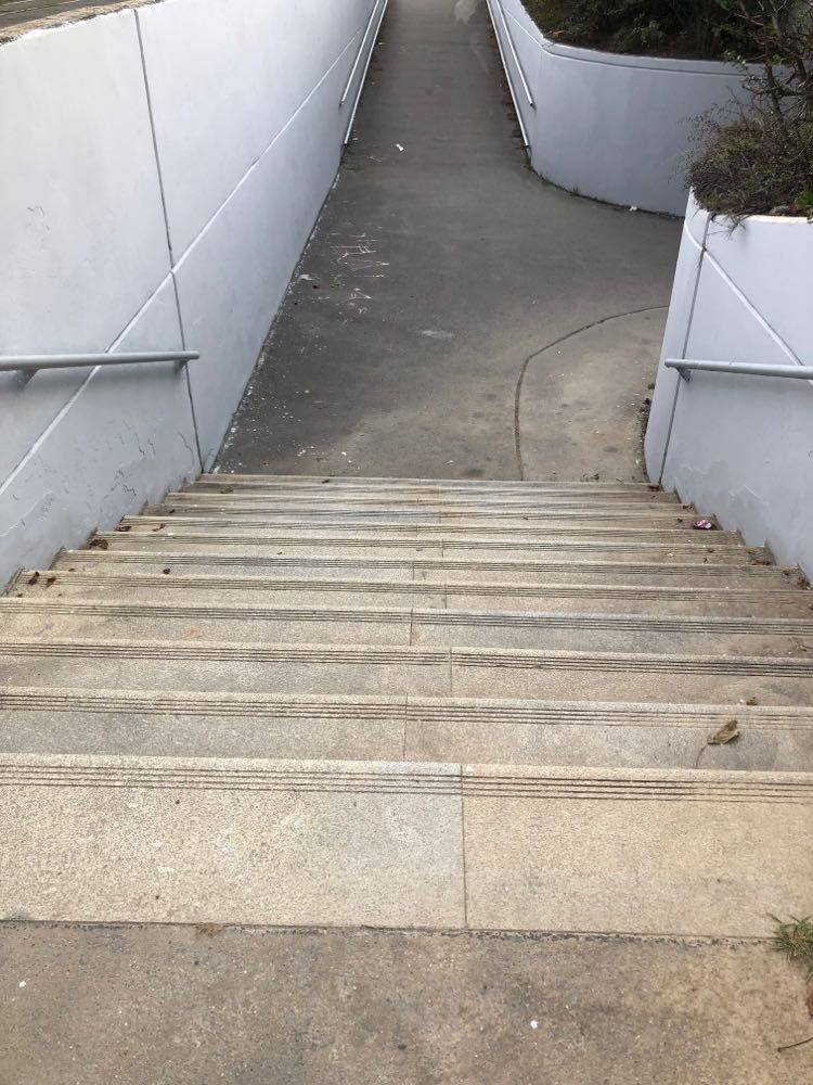 ​12 stairs  ​