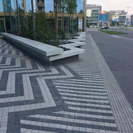 Gap to the sidewalk