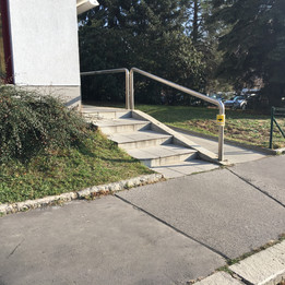 Rail 5 long stairs   