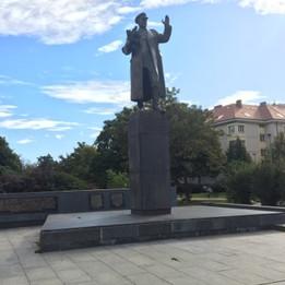 Manual monument  