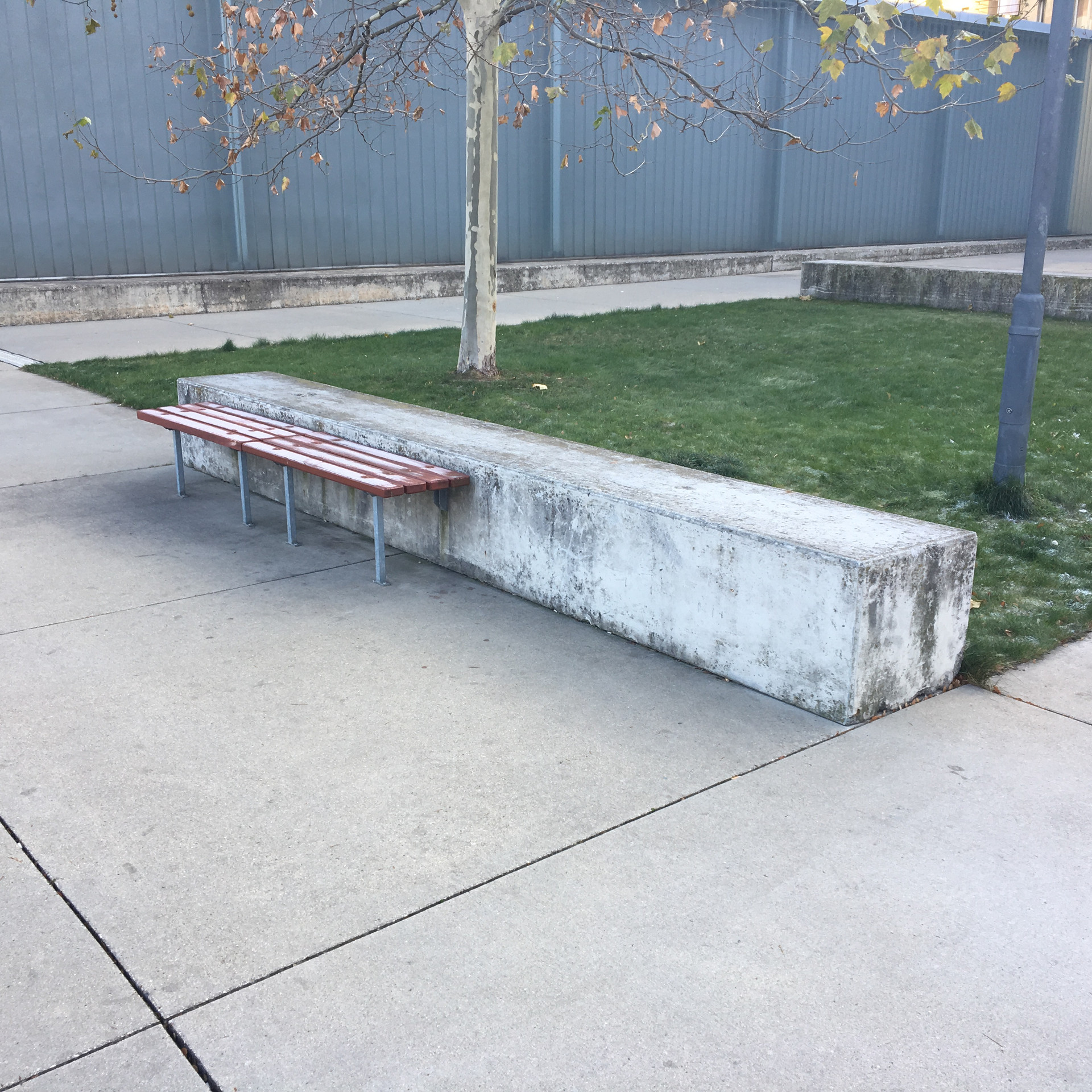 Manual ledge​  ​