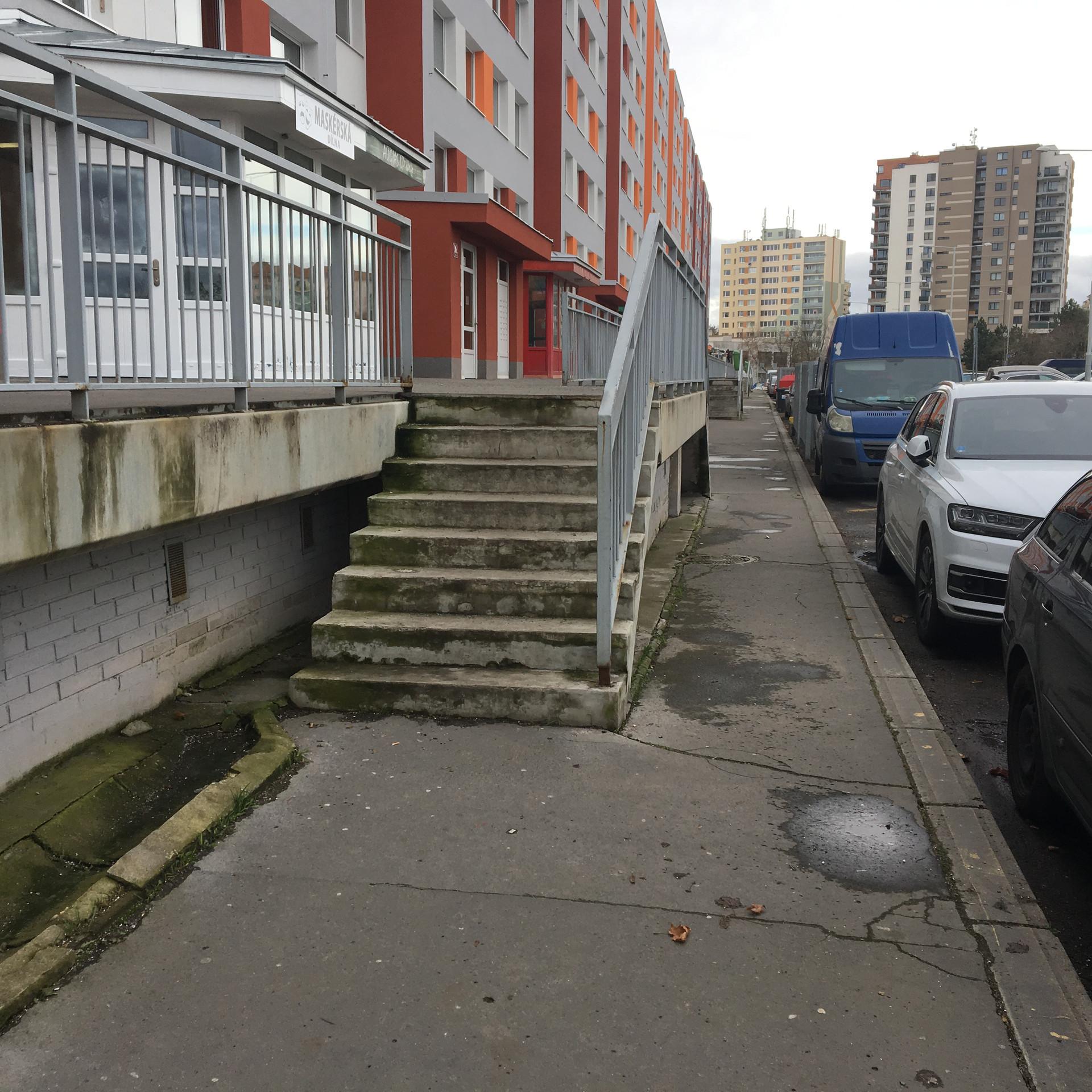 Rail 8 stair