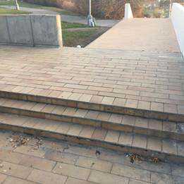 Manual sidewalk 3 stairs  