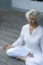 Yoga Senior avec AuriaYoga, professeur de yoga à Lagny-sur-Marne dans le 77