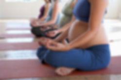 Yoga prénatal et Maman-bebe avec AuriaYoga, professeur de yoga à Lagny-sur-Marne dans le 77
