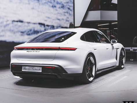 PORSHE TAYCAN: A SPORTING IN THE ECO WAY
