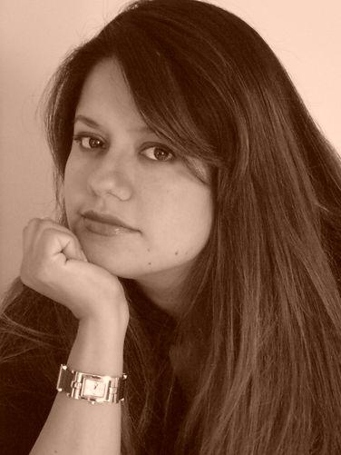 Veronica Reyes female Ecuadorian artist living in Stamford CT