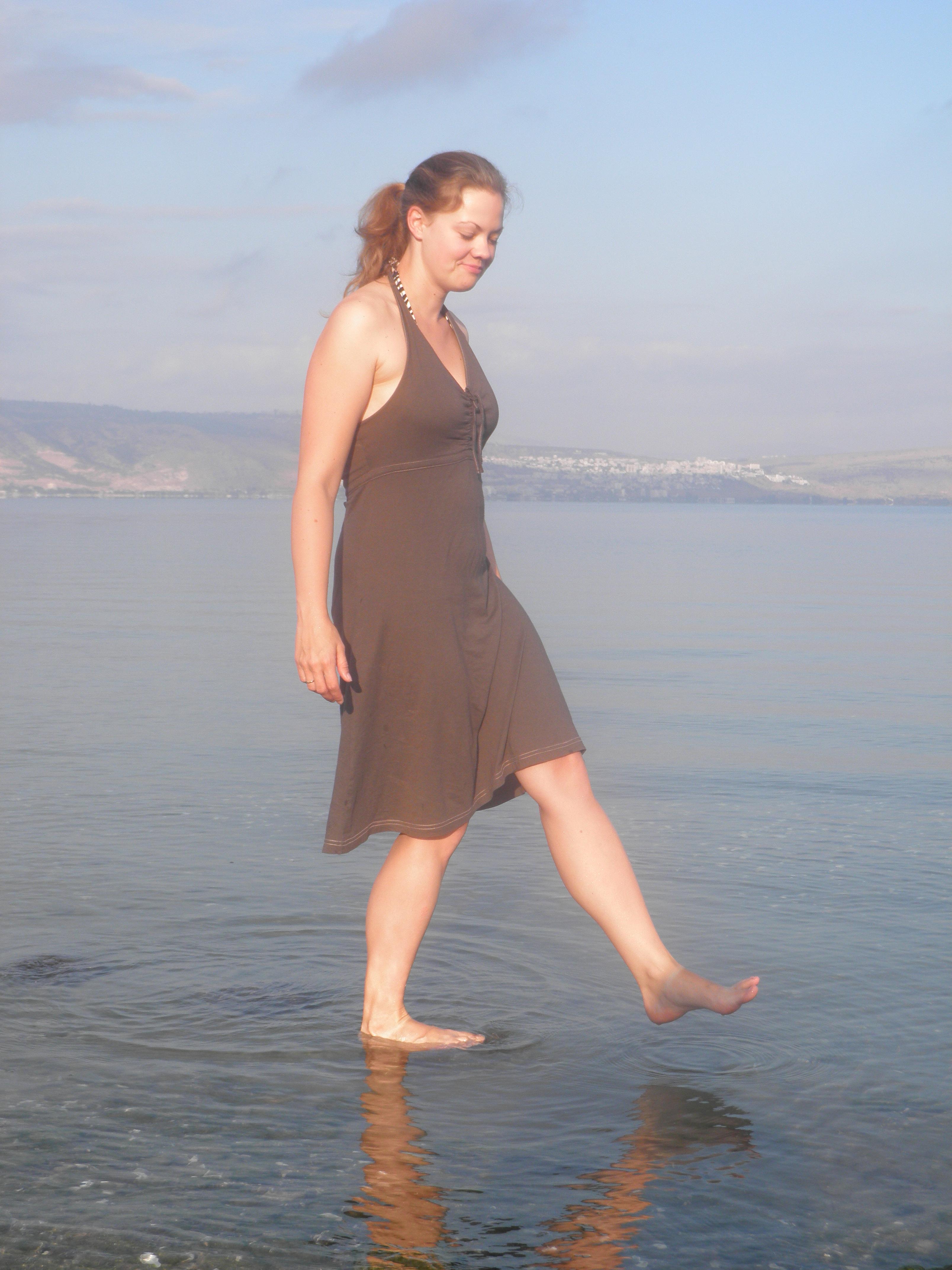 gå på vandet