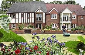 Nantwich-bowling-green-Richmond-Village.