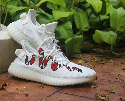 d30a2d7437c Gucci Snake on the White Primeknit upper!