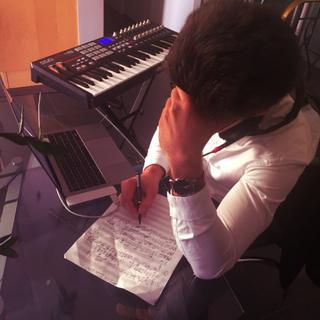 pierre_écriture_studio.png