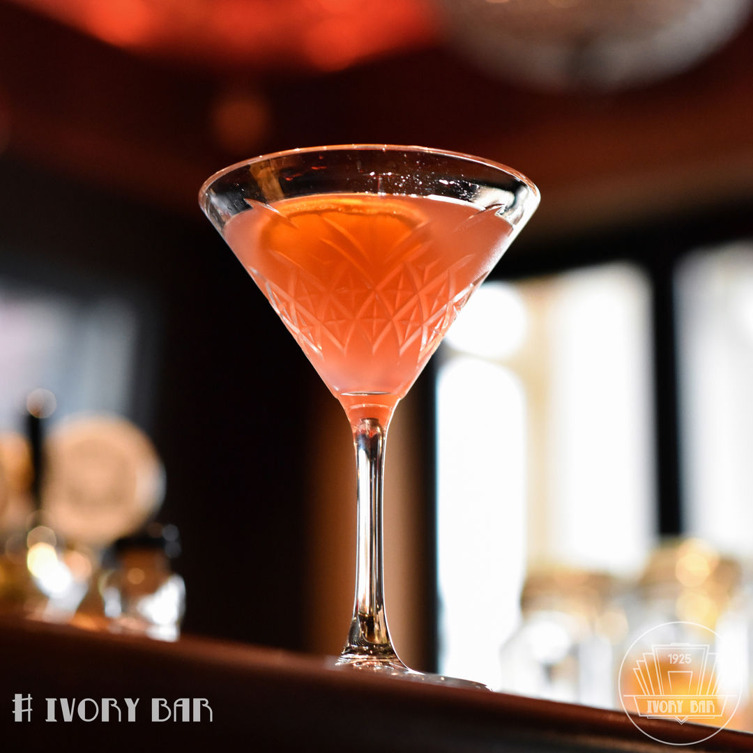 The Happy Chaplin is Ivory's take on a classic Charlie: Gin, Chambord, Grand Marnier. Raspberry rumbles with zesty orange overlays. Plush, pink and perfect for the party! A must try 🤤