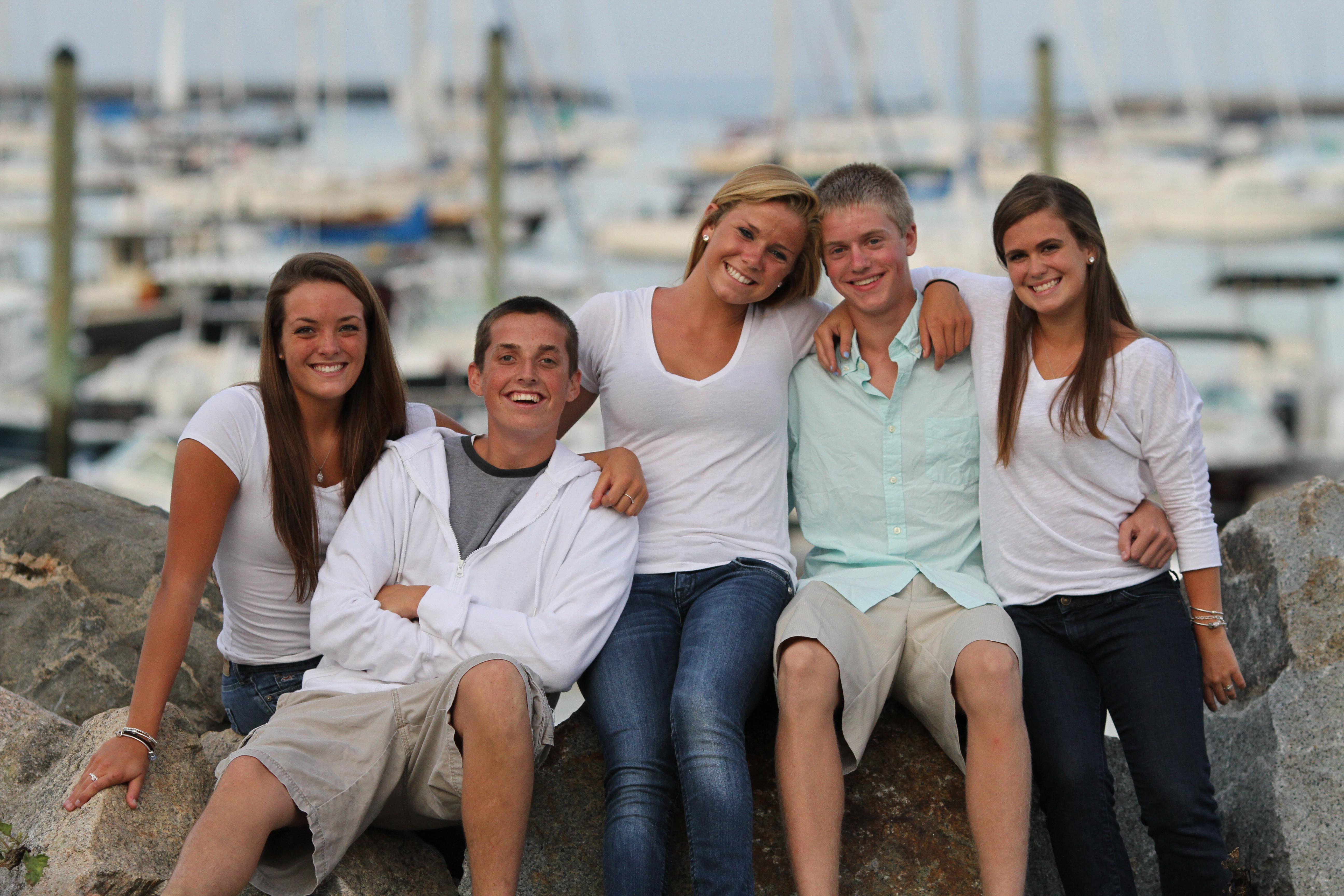 Senior Portrait add in family/friends