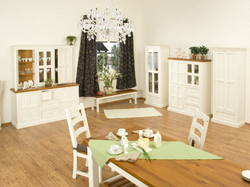Darwin dining set1.jpg
