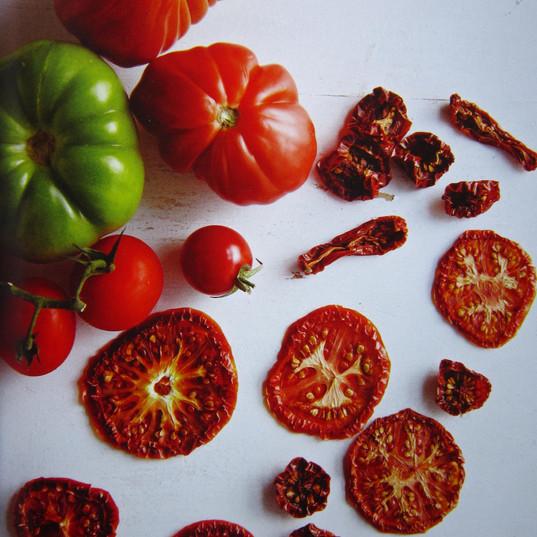 Tomates séchées au sechoir solaire