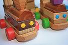 Train-jouets-bois-enfants-ludiques-pedagogiques-ecoles-ebeniste-securite-loisirs-maison