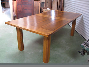 Table en noyer