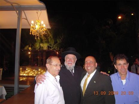 עם כבוד הרב הראשי לישראל הרב מאיר לאו