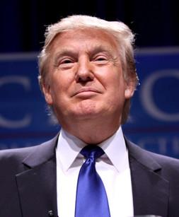 Trump: fazendo inimigos e se isolando