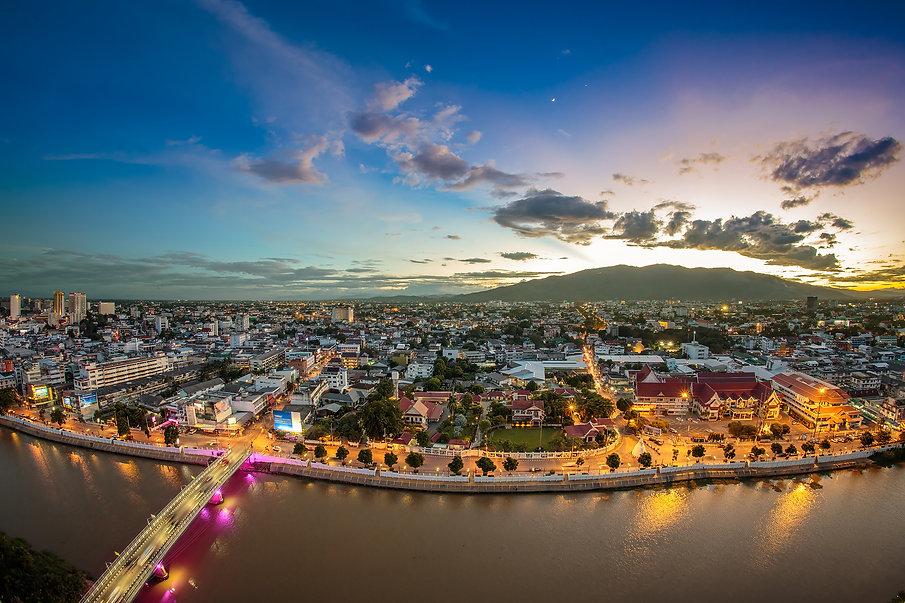 Chiang mai cityscape at twilight .jpg