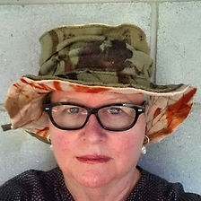 My hat is my friend. Homage to Mirka Mor