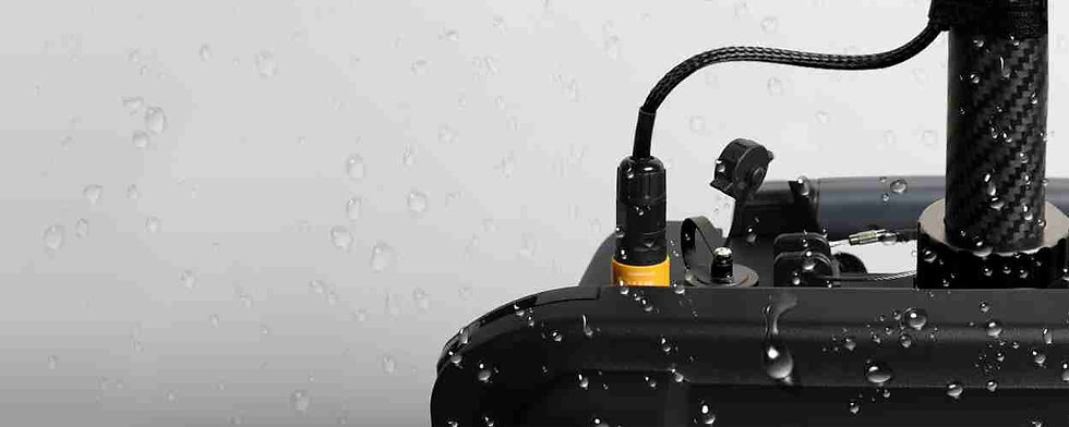 1524357067-30083172-ghost-waterproof-ban
