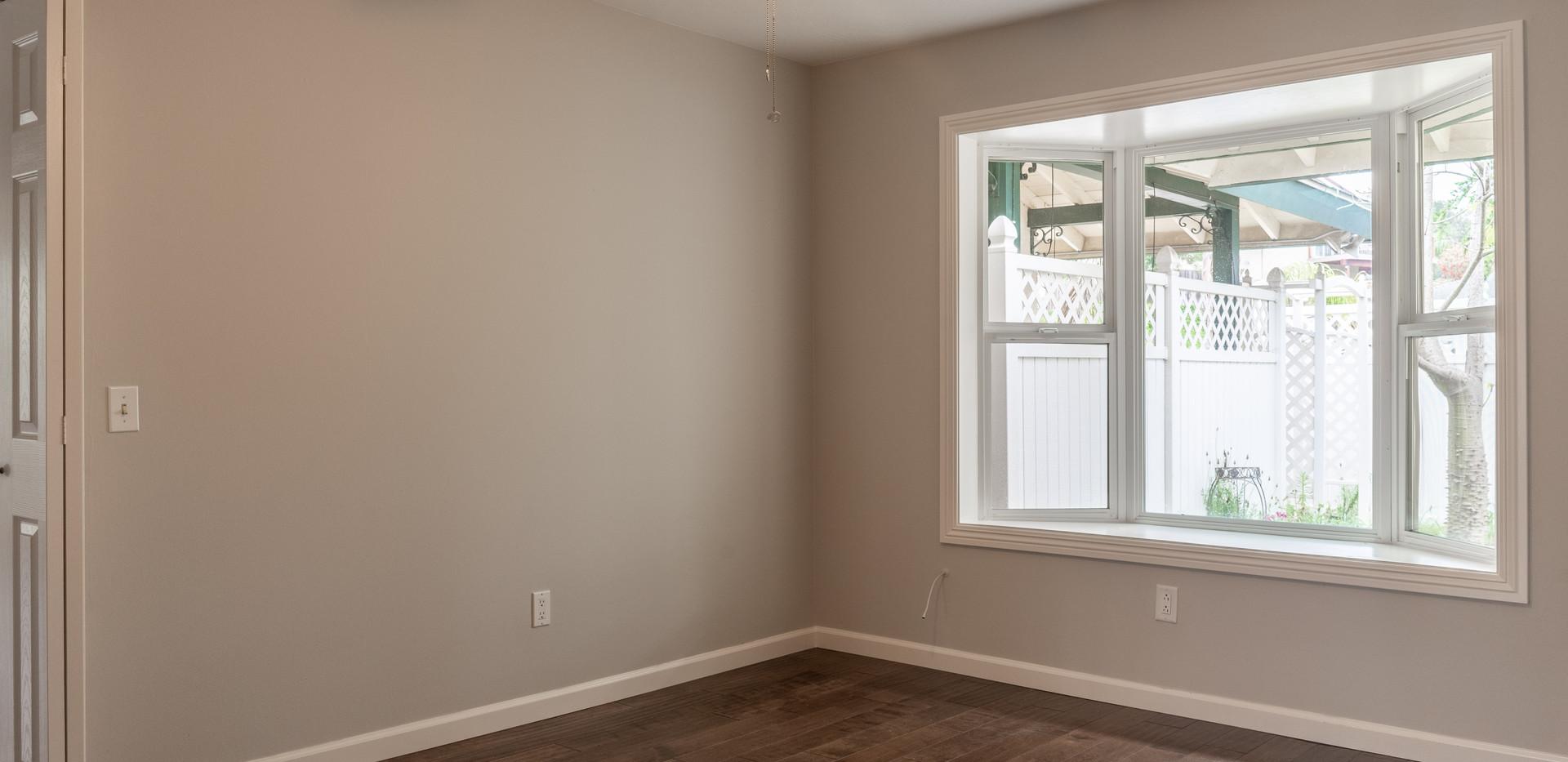 Bedroom 1/Den