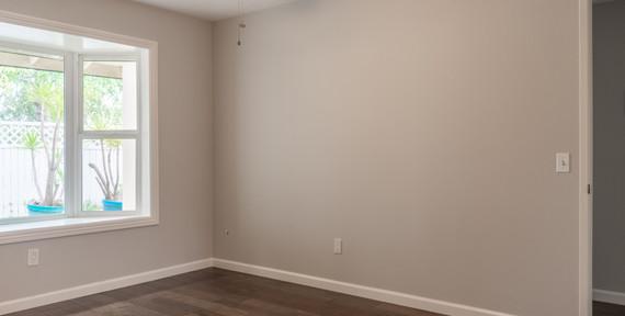 Bedroom 1/Den 2
